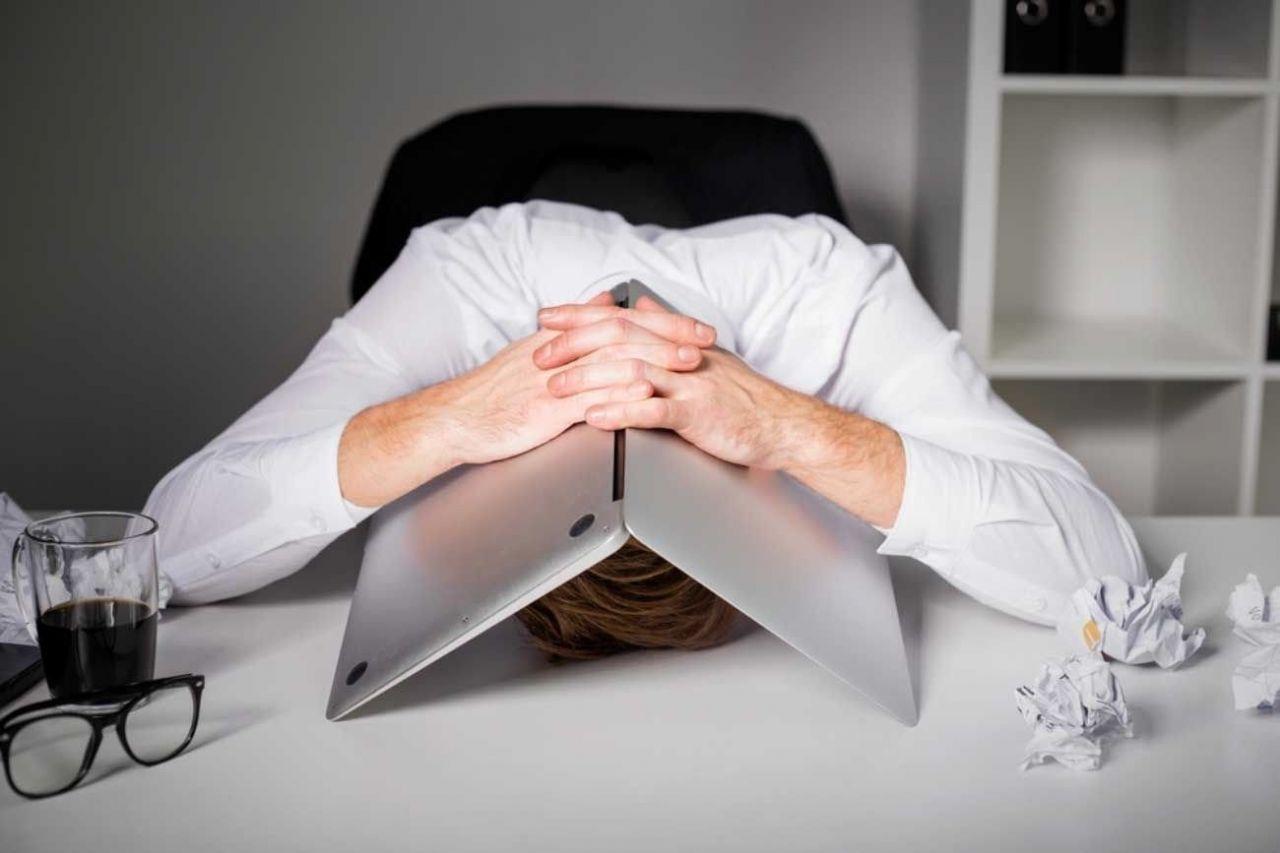 ТОП 10 профессий, которые вызывают депрессию