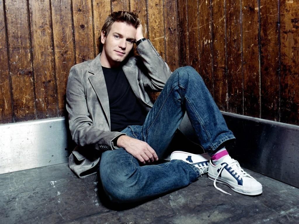 Стильные комбинации пиджаков и джинсов