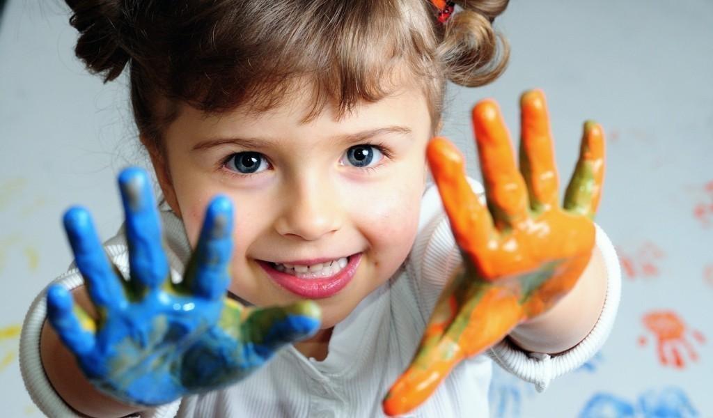 Развитие мелкой моторики: пальчиковые игры для детей от 4 месяцев до 3 лет