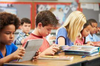 Сексизм, лицемерие, нелюбовь: что не так с преподаванием литературы в школе?