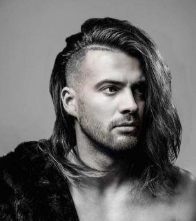 20 стильных мужских стрижек на длинные волосы
