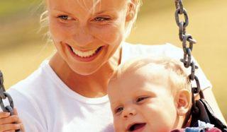 Когда лучше рожать первого ребенка?