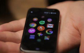 Шаг назад, Palm уменьшила смартфон
