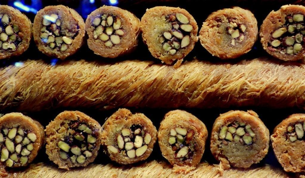 Кокореч, балык экмек и симит – чем перекусить в Стамбуле