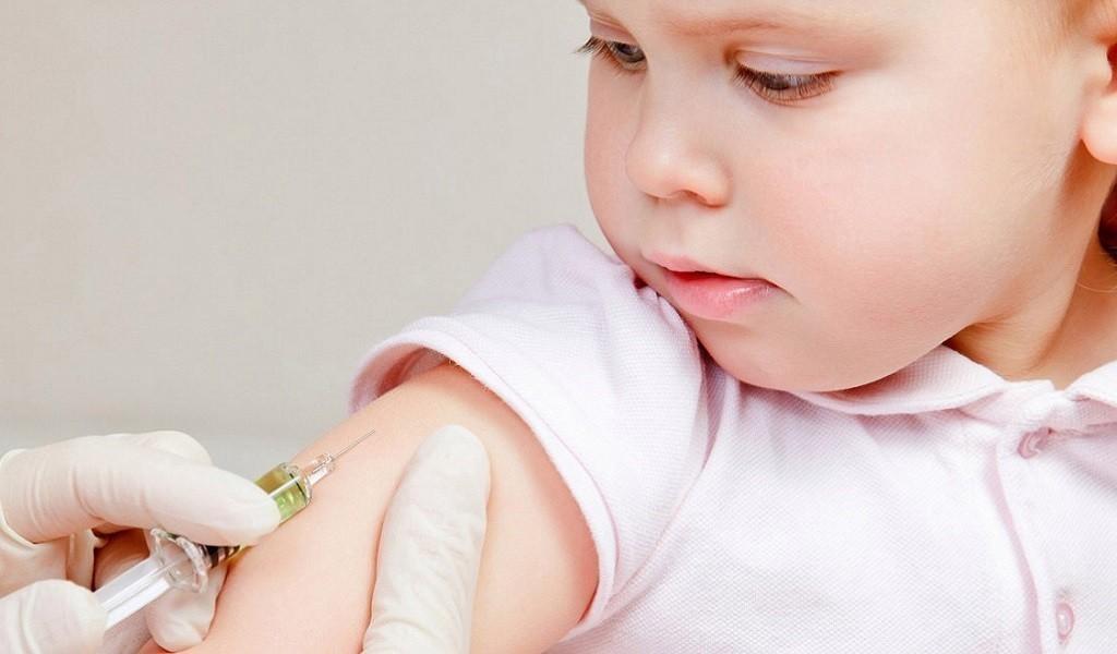 Детские прививки перед отдыхом за границей: обязательные и рекомендуемые